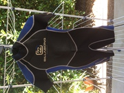 Billabong blue and black child's Wetsuit