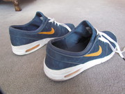 Used Nike Air SB walking shoes